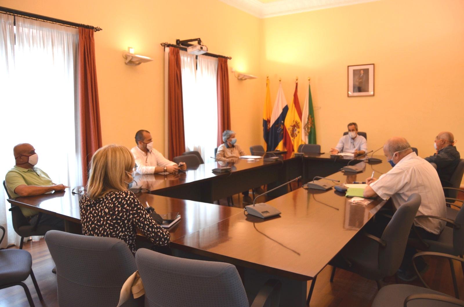 El Ayuntamiento de Santa Brígida elaborará un documento de consenso con medidas sociales y económicas