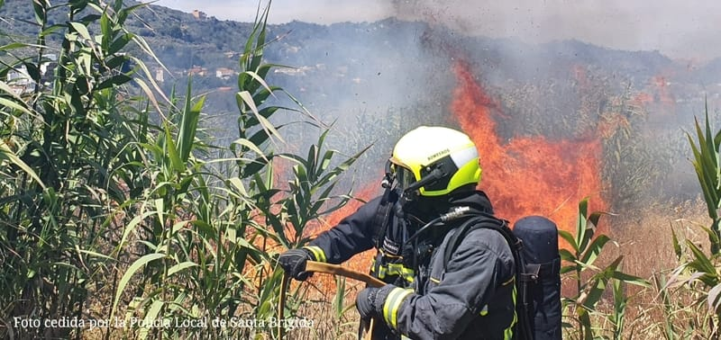 Herido al tratar de impedir que se quemara su casa por el conato de Pino Santo Alto