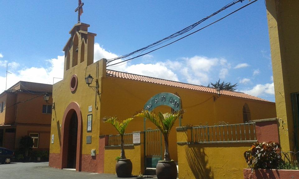 iglesia pino santo alto