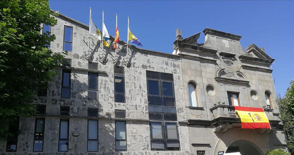 Santa Brígida se suma al luto nacional